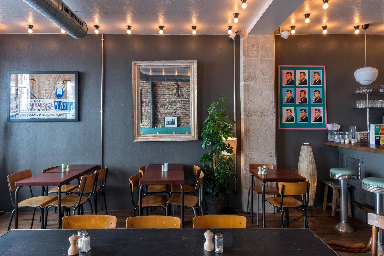 Coffee club ce café restaurant us décontracté aux murs